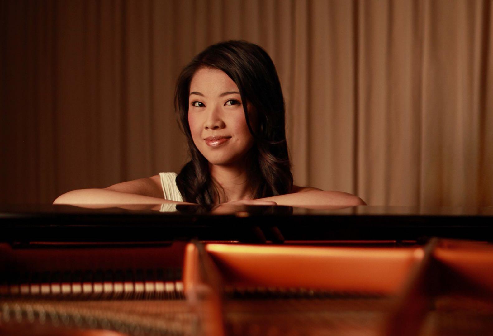 Dr Annie Wong